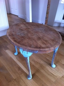 table sanded stripped upcycling